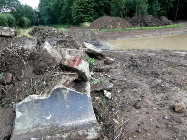 auch ghier Rückbau aller bisghetrigen Entwässerungsgräben/-rohre ...