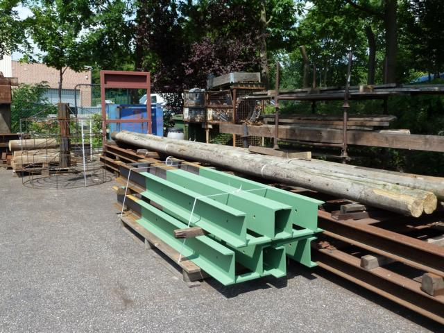 Eins der größten Projekte des NABU RSK nimmt Gestalt an: Die Einzelteile für Nisthilfen für den Weißstorch (Masten, Körbe, Doppel-U-Eisen) sind vorgefertigt.