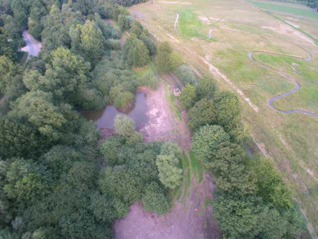 NABU-Feucht-Biotope und inudatiezone (buffer) rechts und links des Rodekanlas (Bereich Minderganmgelt/Schinveld/NL)